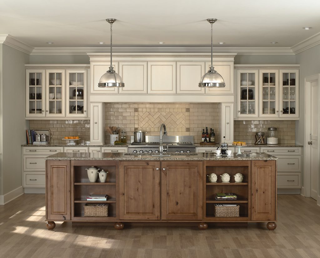 Love This Kitchen Antique Kitchen Love The Mix Of Cabinet Color Old