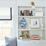 Traditional Living Room Bookshelf