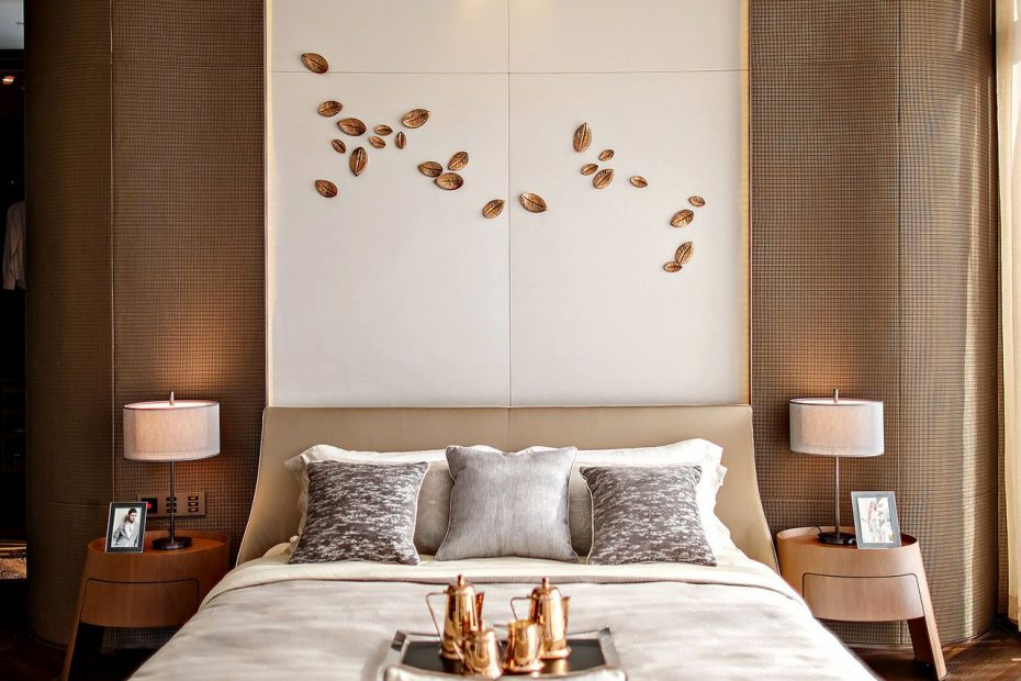 Panelling Is Hot 2018 2019 Homefashion Trends Master Bedroom