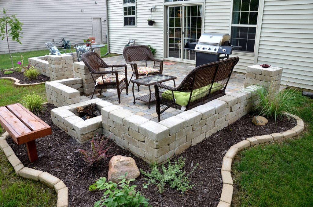 Patio Ideas With Pavers Backyard Chalet Lvhome Design Outdoor Back