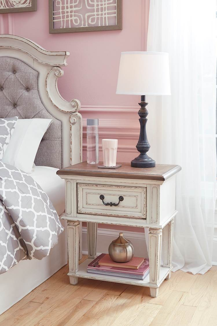 Realyn Chipped White One Drawer Night Stand Speedyfurniture