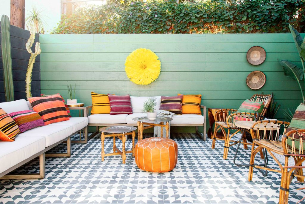 Small Patio Decorating Ideas Fast Growing Climbing Vines For Privacy