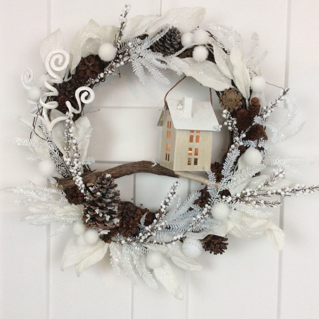 Tealight Winter Wreath 24 Inch Christmas Wreath Lighted Cottage