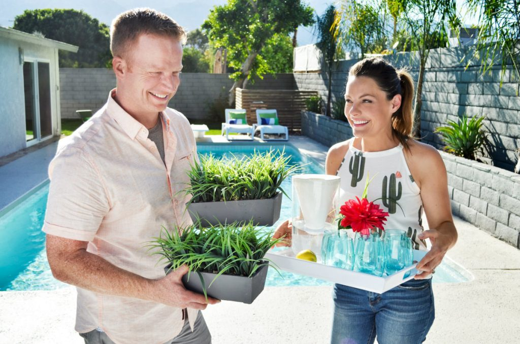 Third Season Of Hgtv Hit Desert Flippers Brings More Sizzling Home