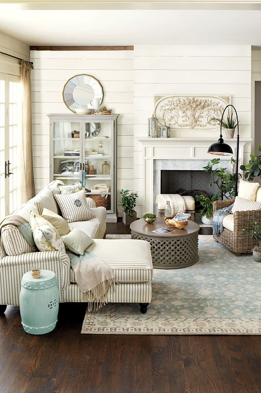 Trending Fretwork Home Inspiration Modern Farmhouse Living Room