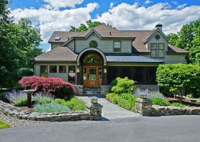 Upstate-New-York-Country-Home