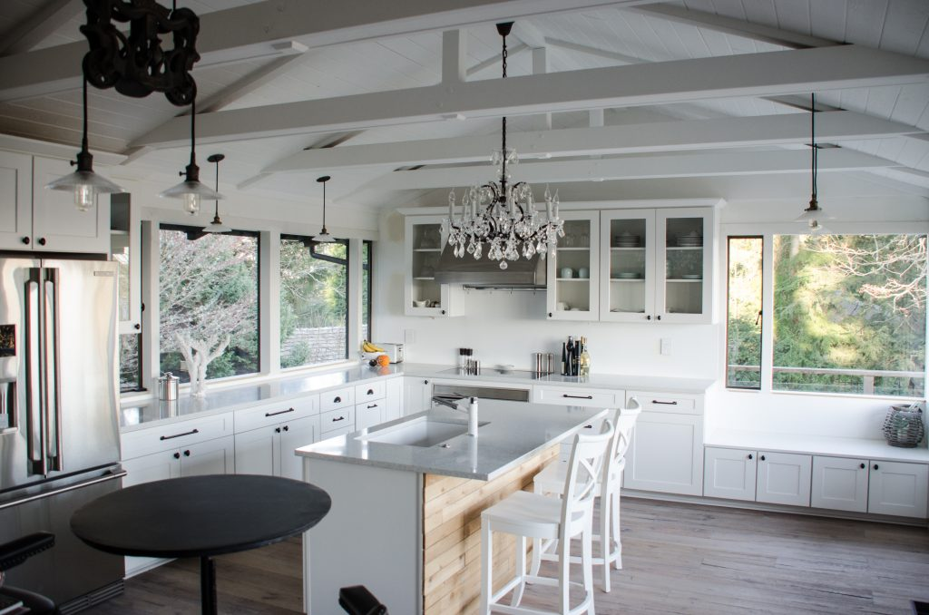 Image of: Kitchen Vaulted Ceiling Layjao