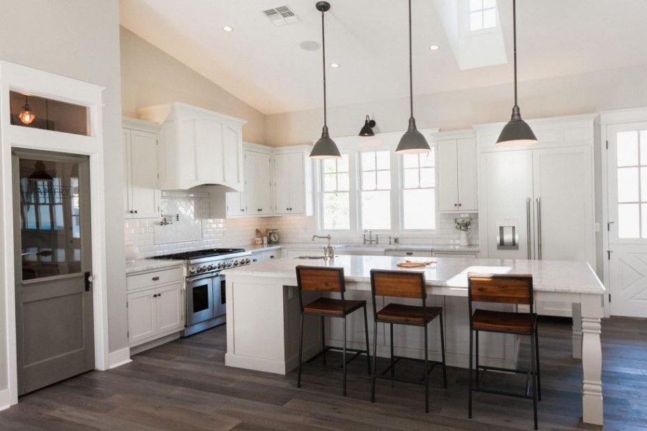 Vaulted Ceilings In The Kitchen Large Island With Pendant Lighting
