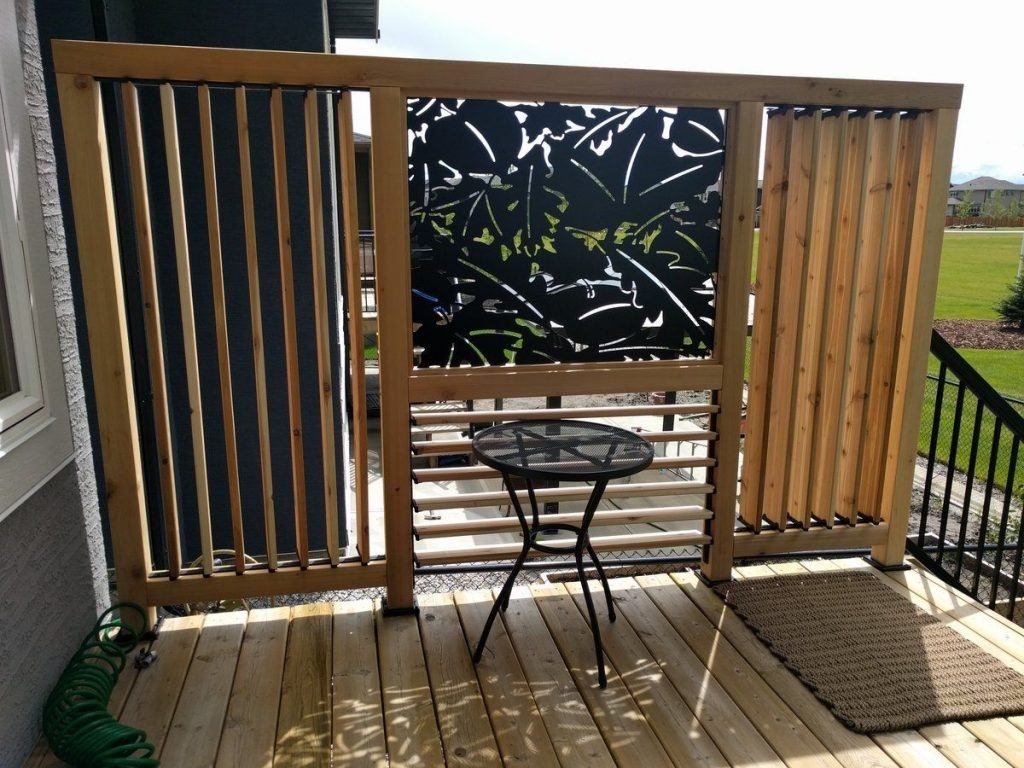 Vertical And Horizontal Louvered Privacy Enhanced Deck Railing