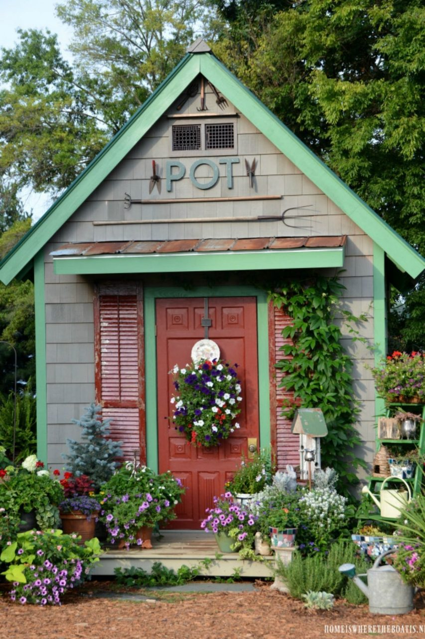 19 Perfectly Charming Garden Sheds Craft Shed Backyard Storage