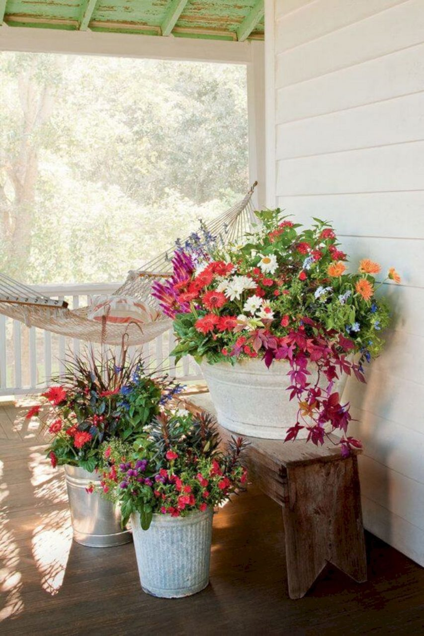 50 Incredible Home Front Porch Flower Planter Ideas Container