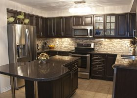 Pictures of Kitchen Backsplashes with Dark Cabi…