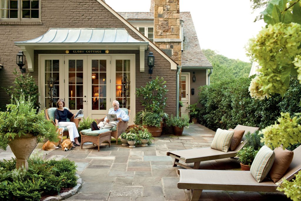 Cape Cod Style Makeover In 2019 New House Courtyard Landscaping