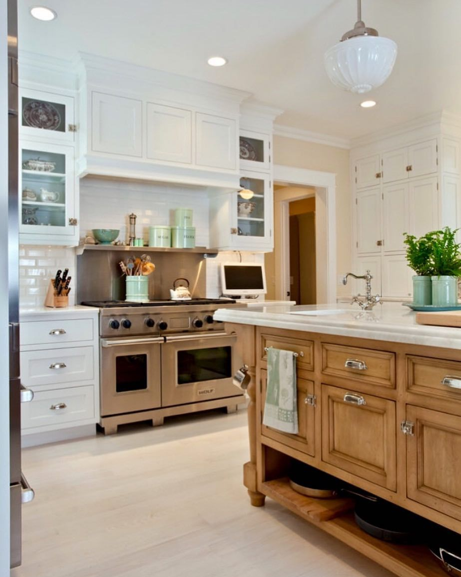 Classic Timeless Classic Capecod Kitchen Designideas