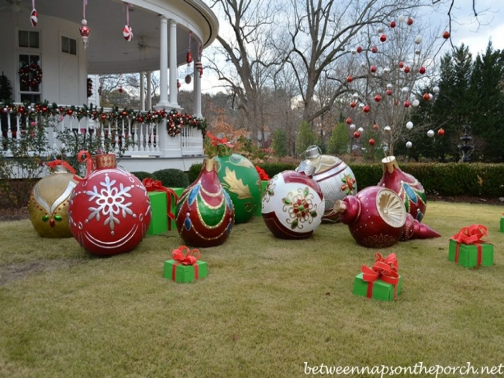 Diy Outdoor Christmas Decorations Big Christmas Ornaments