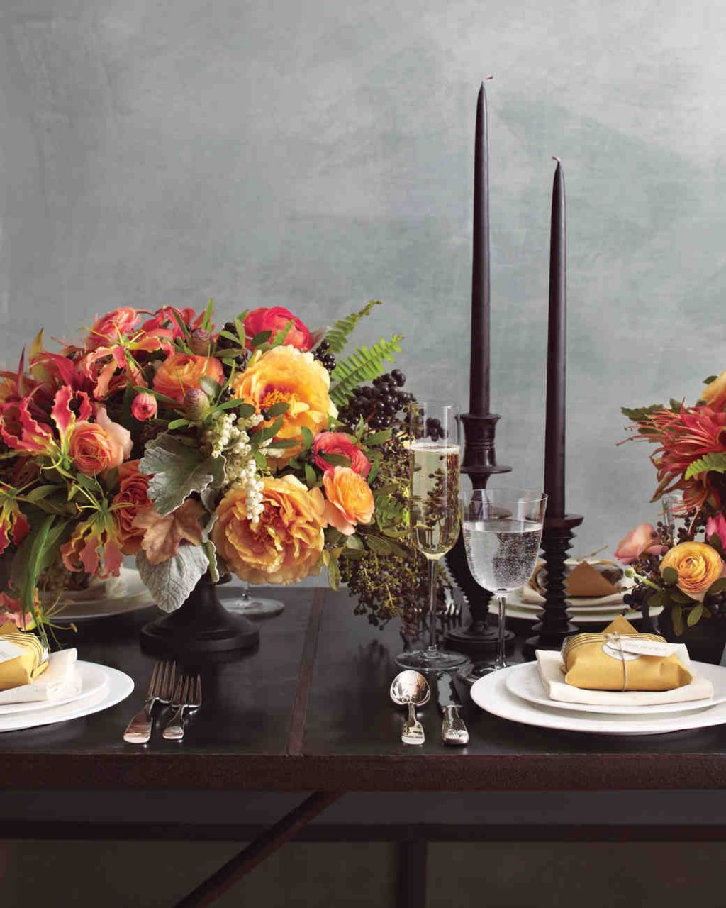 Fall Wedding Flower Ideas From Our Favorite Florists Dark Fall