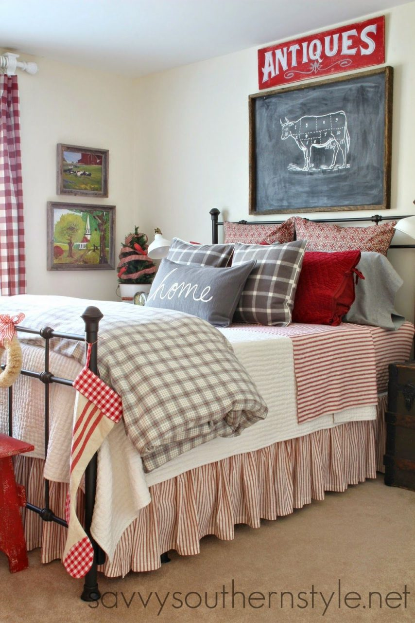 Farmhouse Style Guestroom For Christmas Bedrooms Farmhouse Style