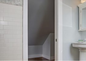 Paint Finishes for Bathroom Walls