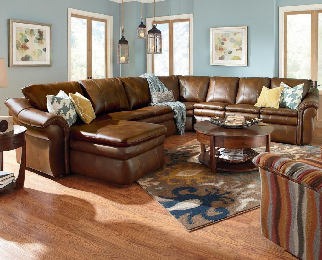 La Z Boy Devon 5 Piece Sectional With Ras Chaise And 2 Recliners