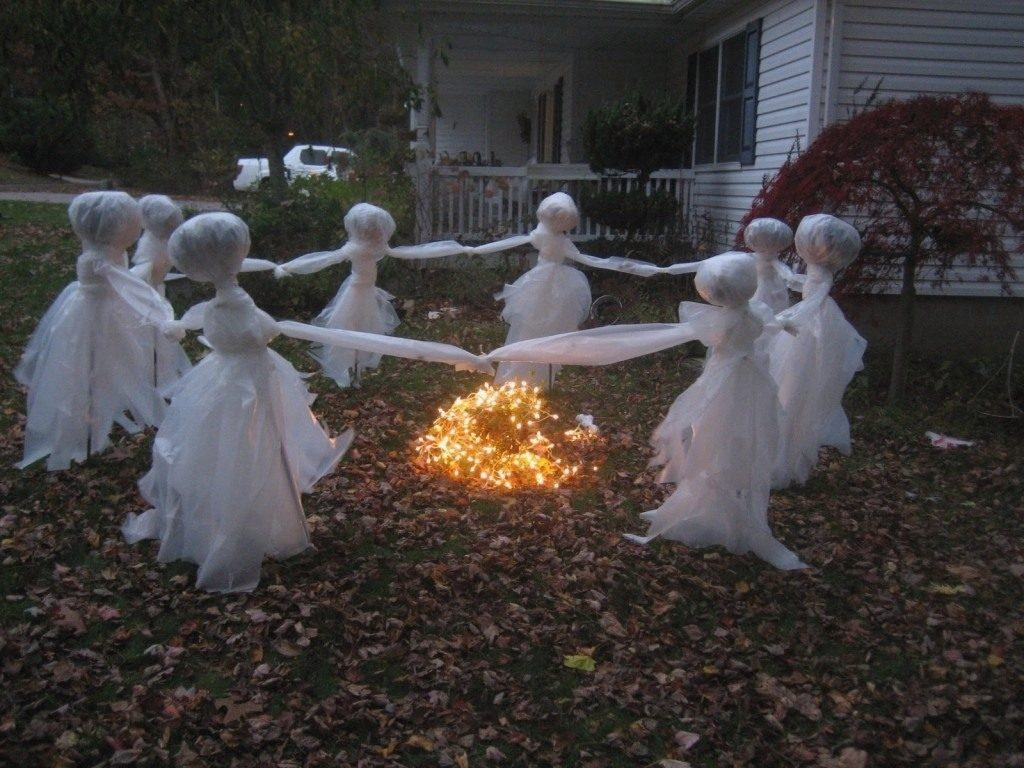 Outdoor Halloween Decorating Ideas On A Budget Decorativeview