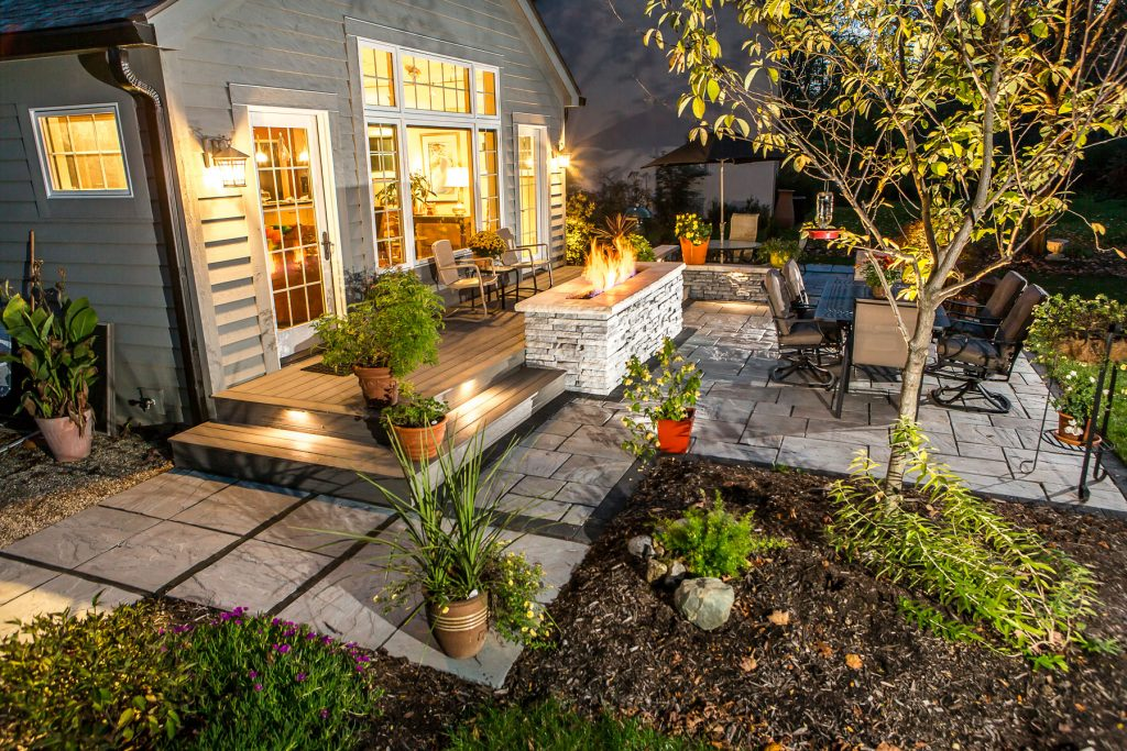 Outdoor Landscape Lighting For Patios Walkways And Retaining Walls