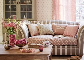 Pink and Brown Living Room Idea