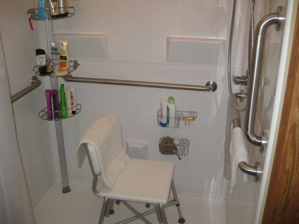 Prepossessing 70 Tub Grab Bar Location Inspiration Of Ada Cottage