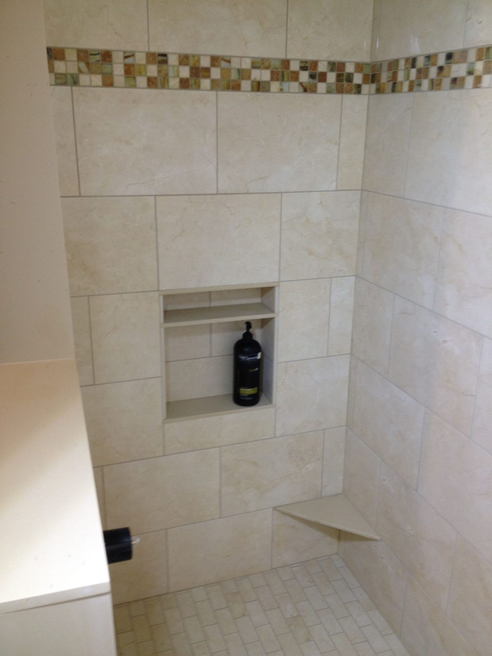 Shower With Accent Border Niche And Foot Rest For Shaving Our