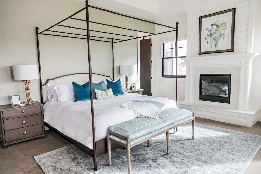 Smi Modern Farmhouse Master Bedroom And Bathroom Sita Montgomery