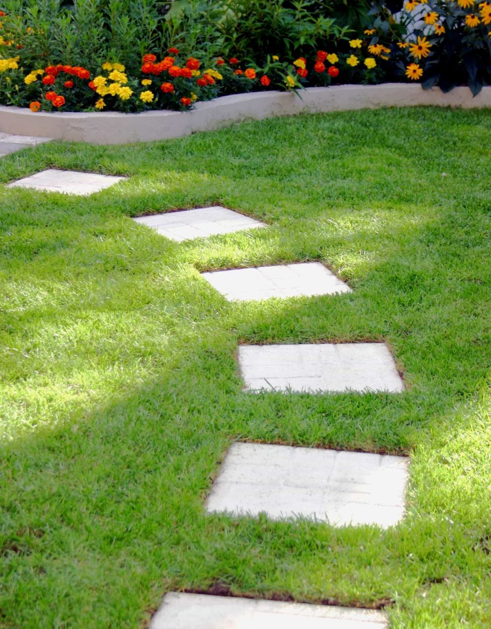 Square Stepping Stones In The Garden Stepping Stones For A Walkway