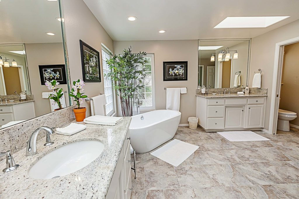 What To Ask Before Hiring Kitchen Or Bathroom Remodeling Contractors