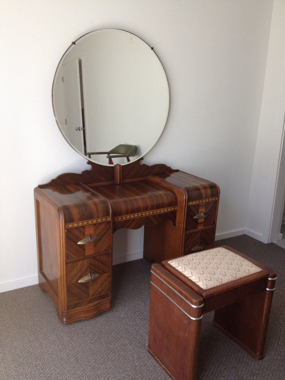 1930s Art Deco Waterfall Bedroom Furniture 6 Pieces 90000 Via