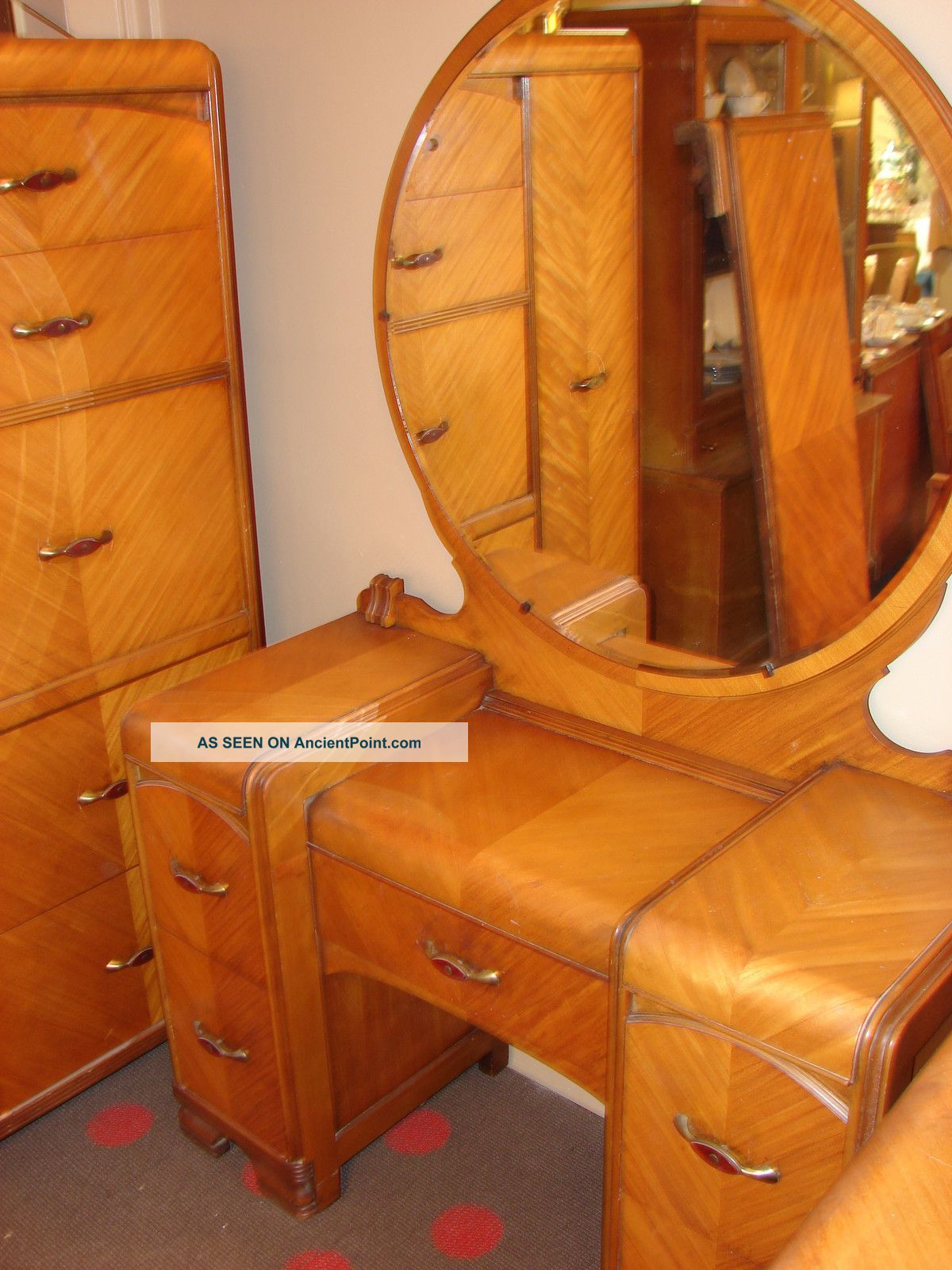 1930s Waterfall Bedroom Suite 5 Pieces 1900 1950 Photo 90000