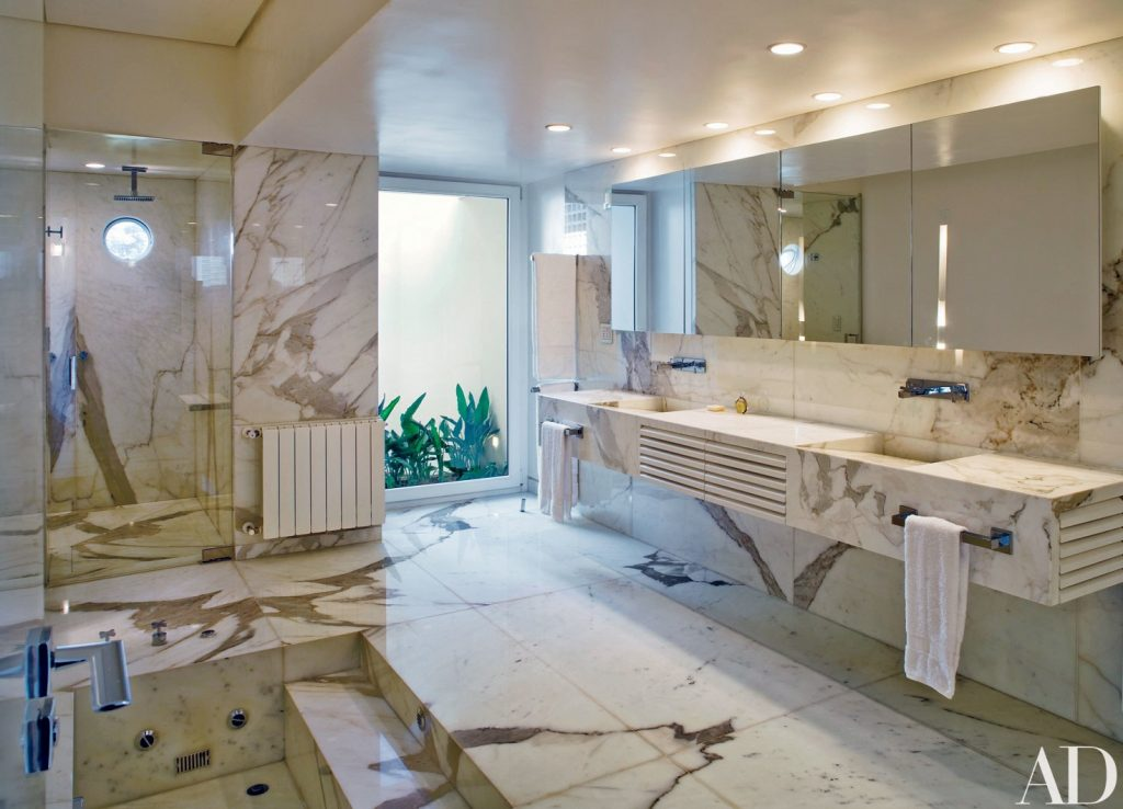 20 Ways To Incorporate Calacatta Marble Into A Polished Design