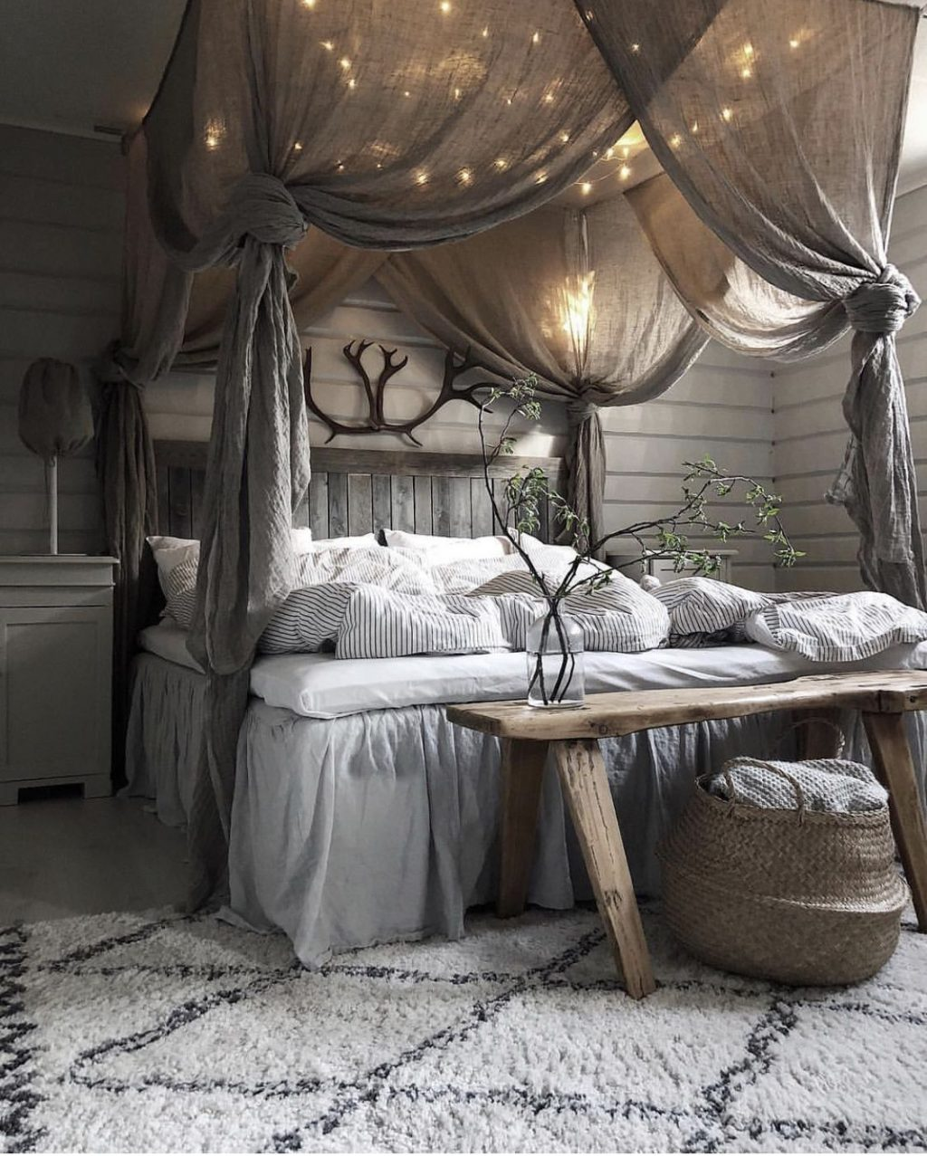 31 Canopy Bed Ideas Design For Your Bedroom Canopy Bed Ideas