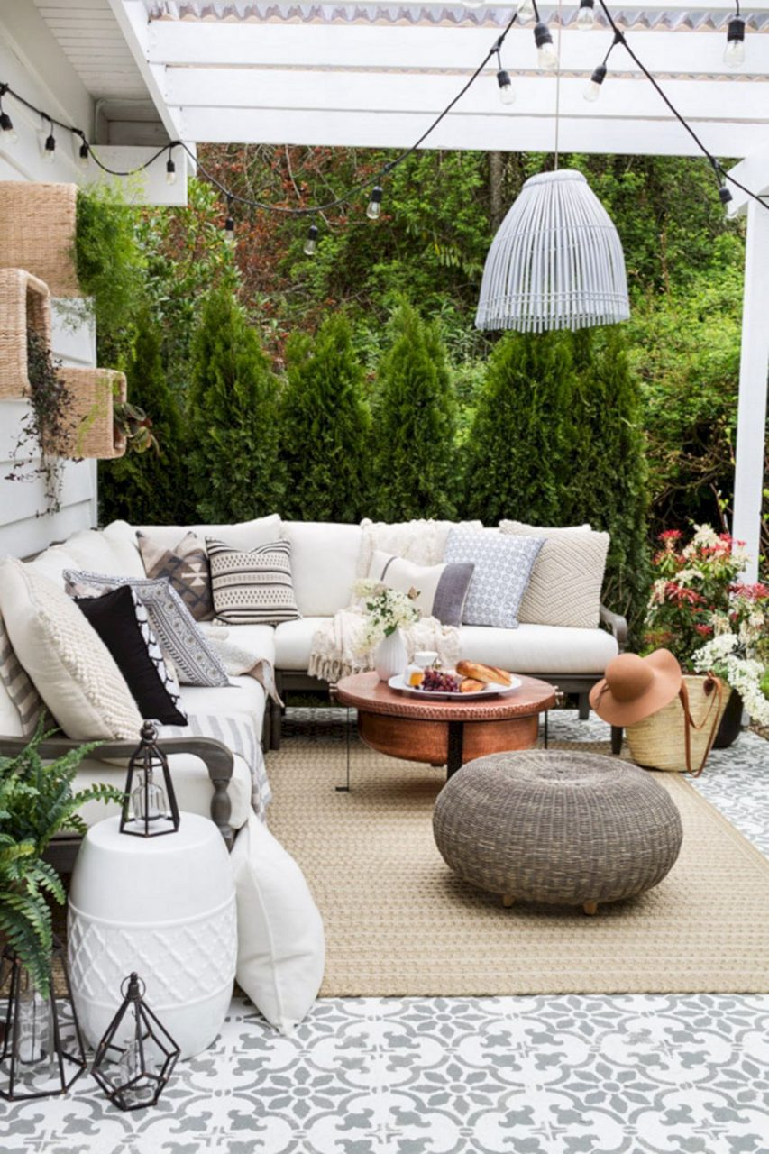 33 Gorgeous Bohemian Outdoor Patio Designs For Cozy Outdoor Space