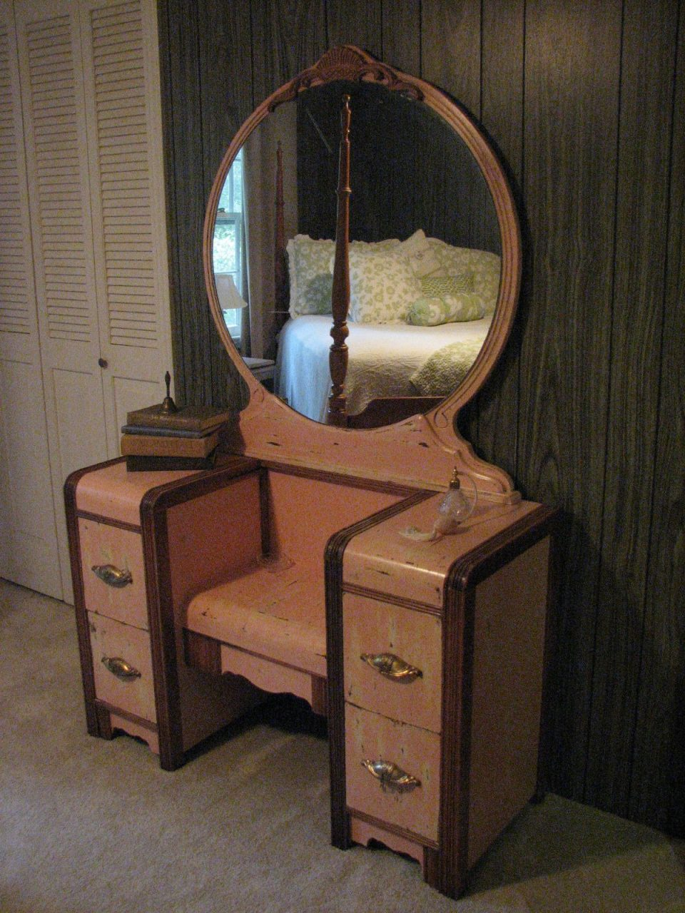 Antiqued Pink 1950s Waterfall Vanity Refinished Causally Chic Layjao