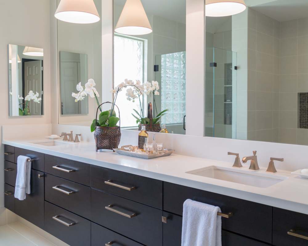 Before After A Master Bathroom Remodel Surprises Everyone With