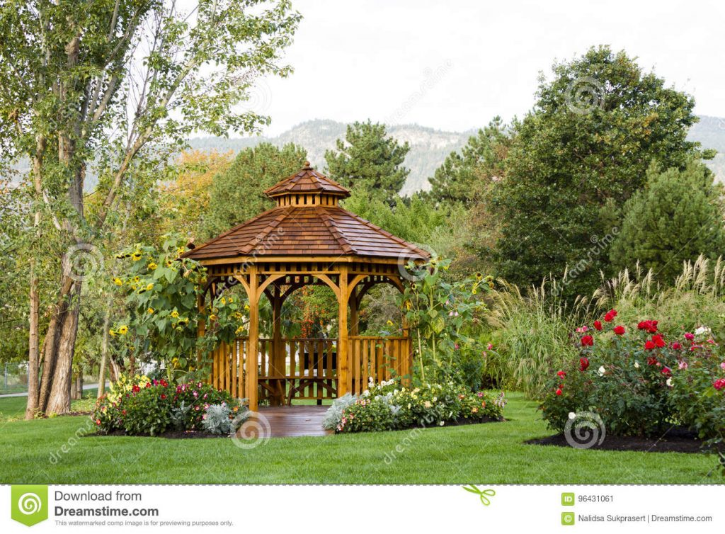 Cedar Gazebo Backyard Garden Park Stock Image Image Of Arbour