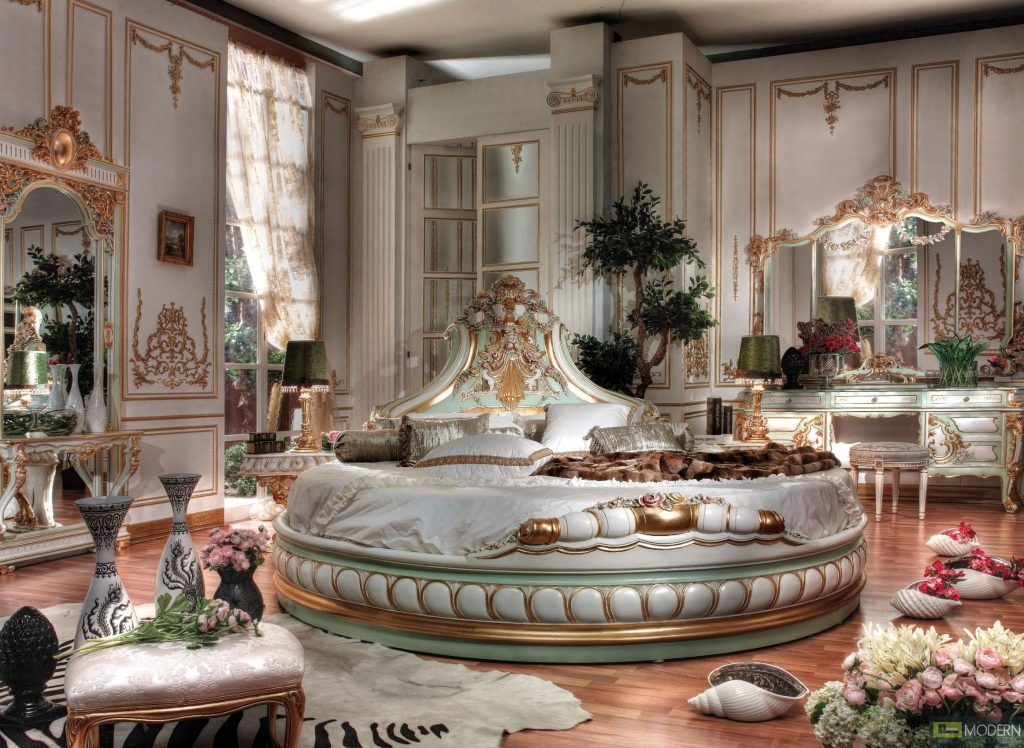 Classic Italian Luxury Style Royal Baudelaire Collection Bedroom Set