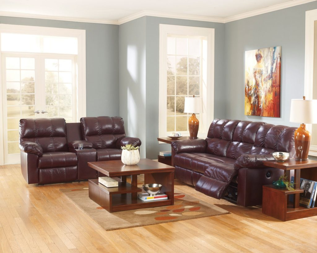 Decorating With A Burgundy Leather Sofa Family Room In 2019
