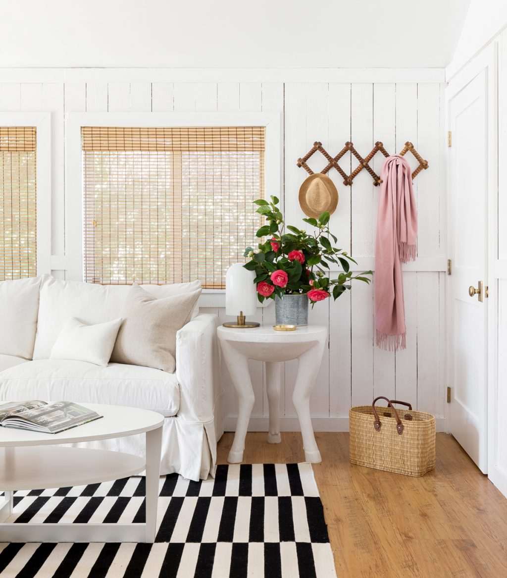 Exclusive House Tour A Chic Cannon Beach Cottage Hideaway Coco