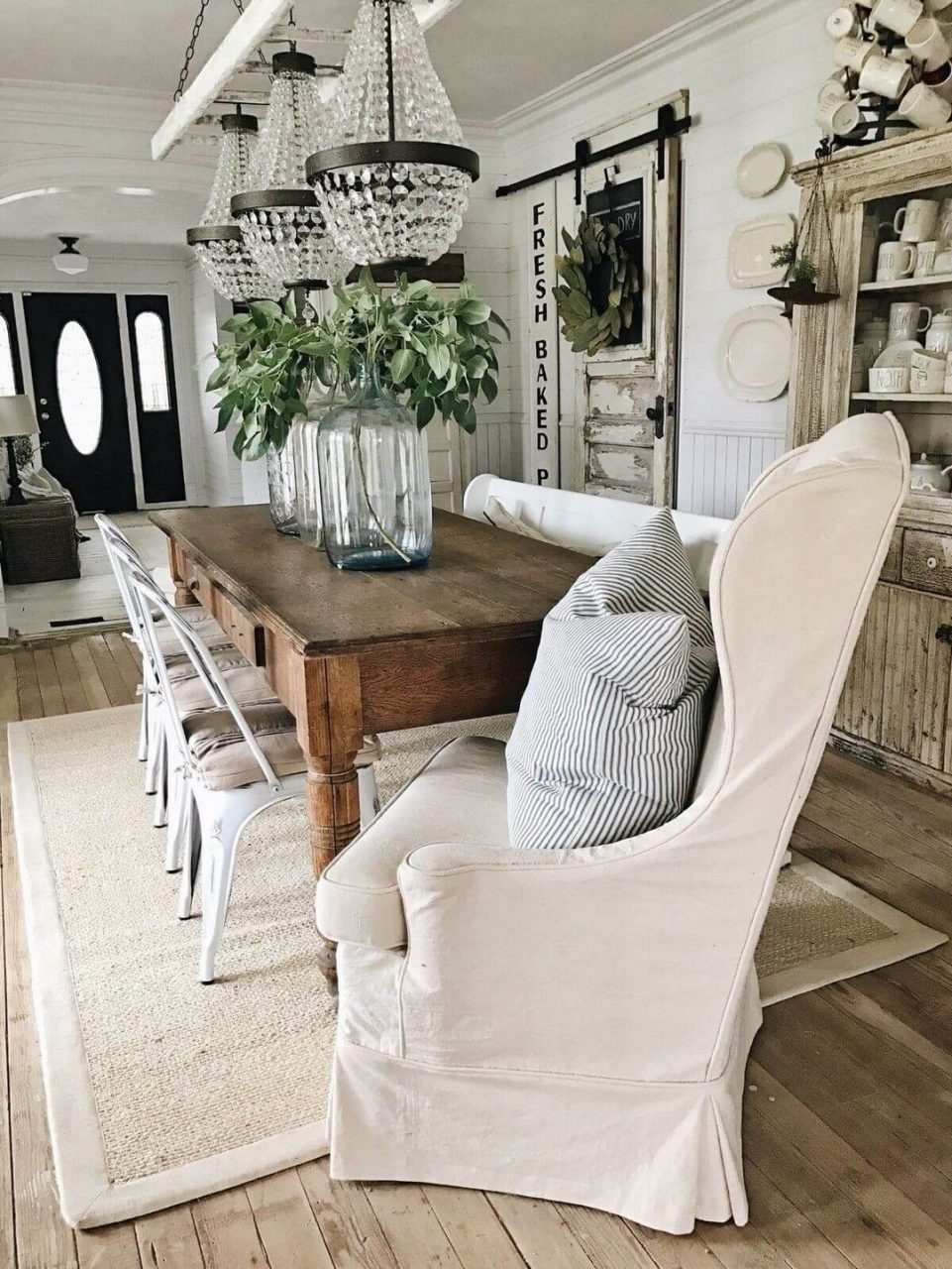 Farmhouse Decorating Style For Living Room And Kitchen Farmhouse