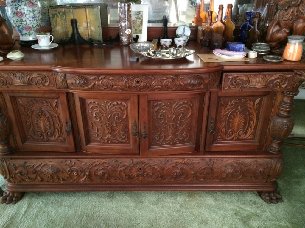 Have A Gorgeous Antique Dining Room Table Chairs Buffet And Curio
