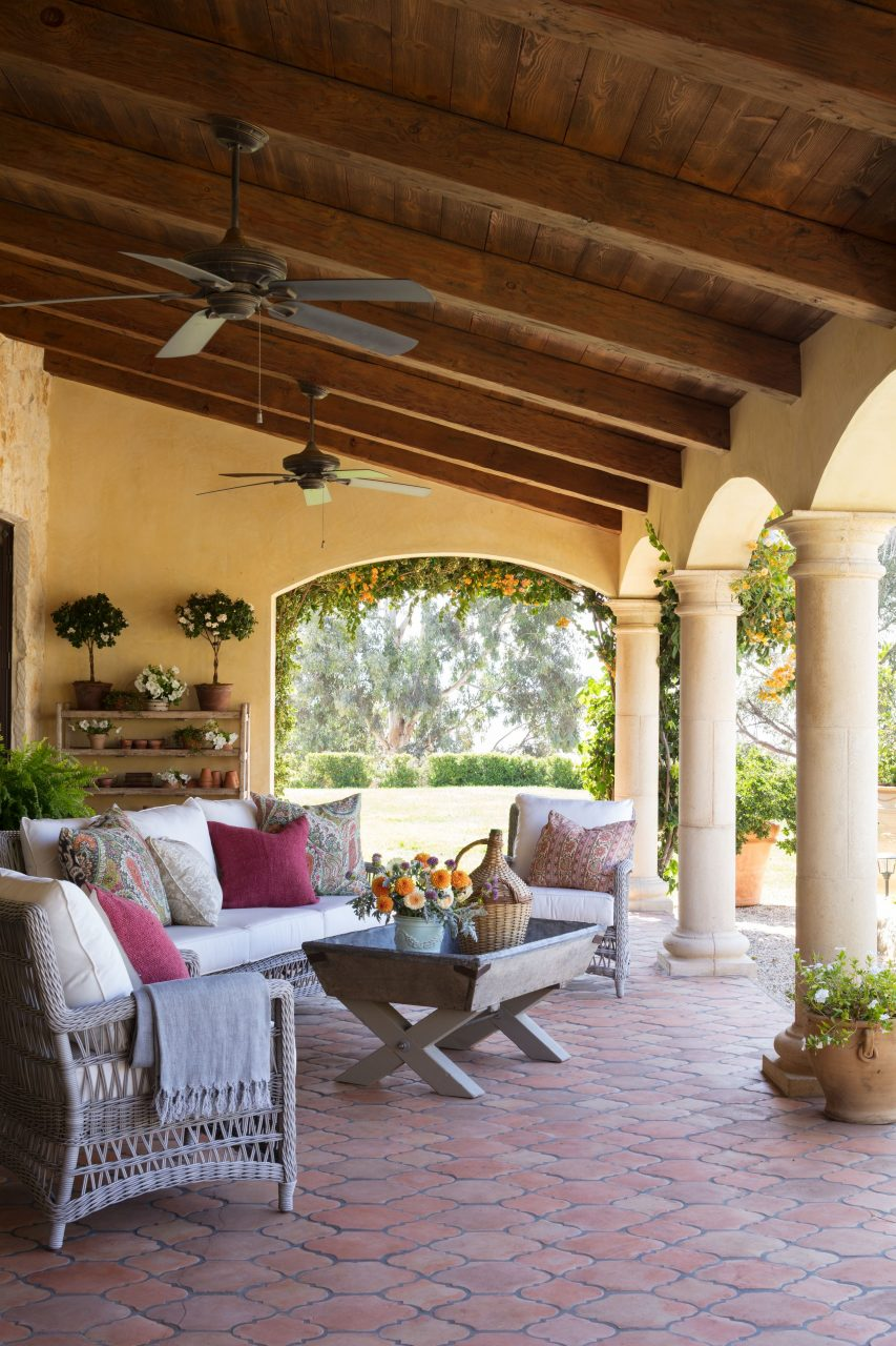 Inside This Issue Mediterranean Homes Lifestyles Traditional