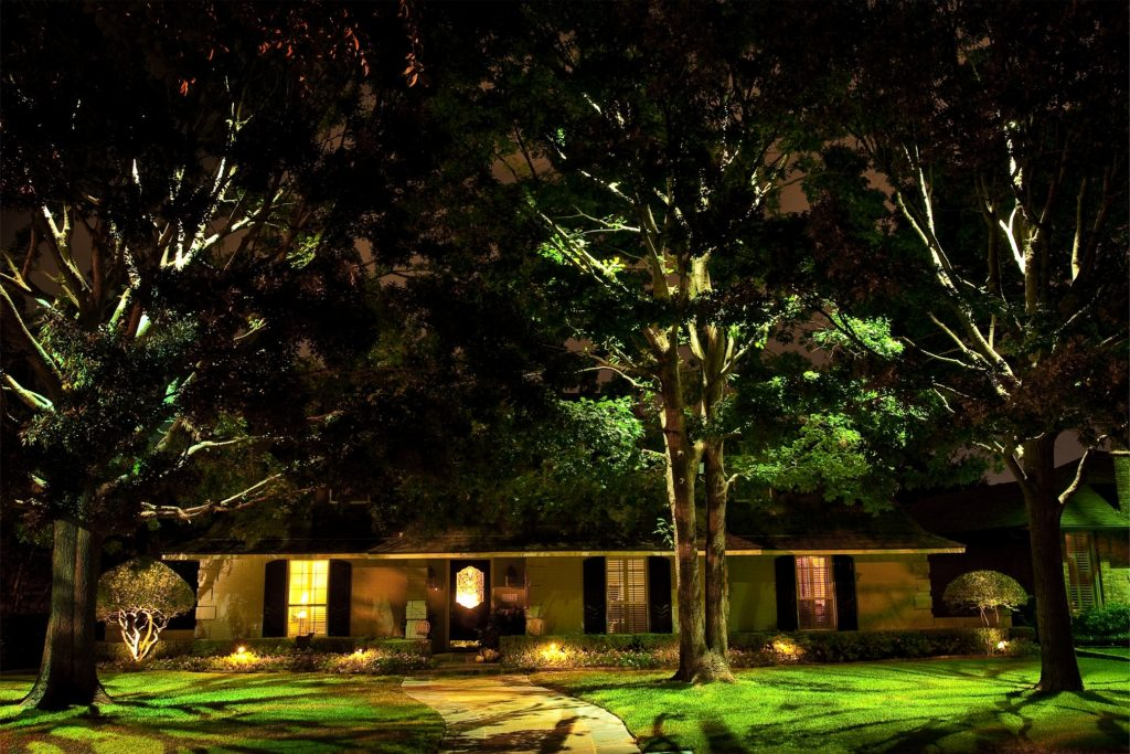 Installing Diy Low Voltage Landscape Lighting In 6 Easy Steps