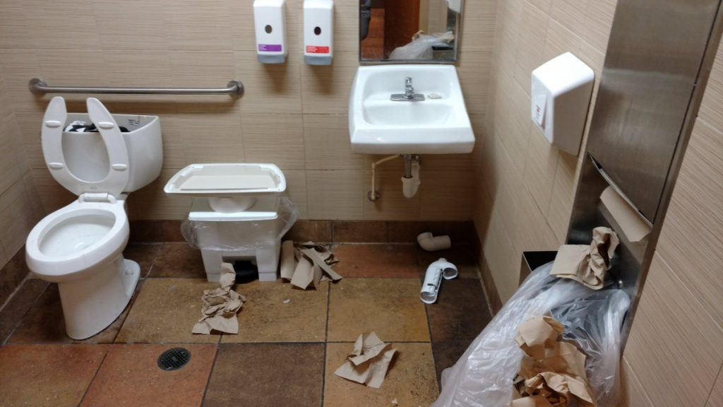 James Worley On Twitter This Is The Restroom Of Tacobell