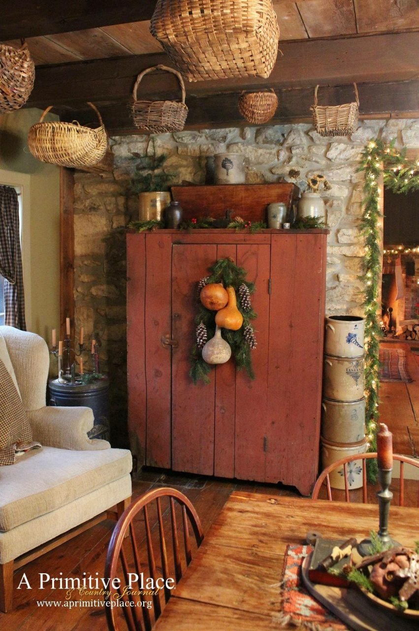 Just A Pic Love This Hutch The Color The Look Rustic Home