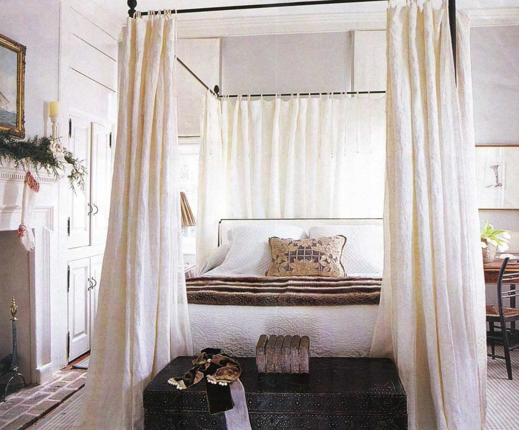 King Sized Canopy Bed With Curtains Hang Curtains In A Canopy Bed