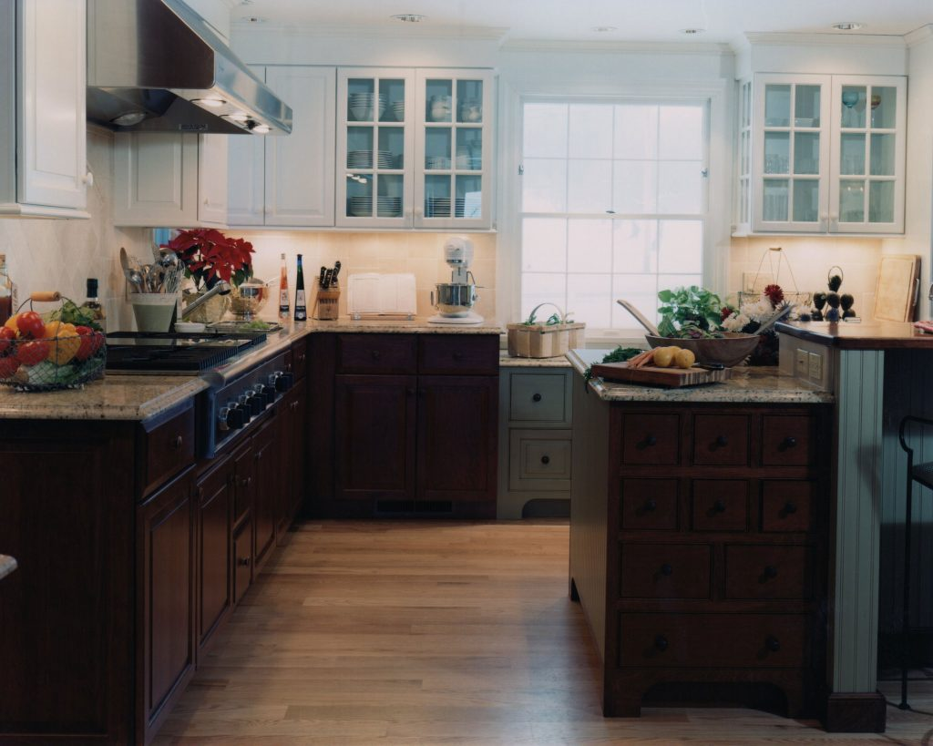 Kitchen Cabinets Light Upper Dark Lower Kitchen Design